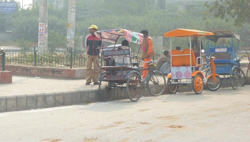 E-rickshaws in Dwarka- Jan 3, 2012 (1/2)