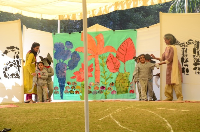 Aadyaa's group eager to begin. Once again, a really interesting backdrop where the children's work can be seen clearly