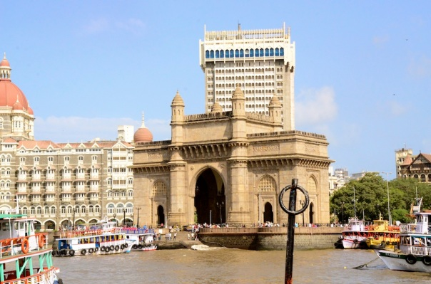 Pulling away watching the beautiful Gateway and iconic Taj hotel get smaller and smaller...