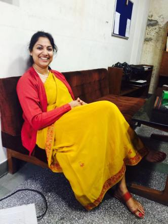 Day 18 #100sareepact another of mum's carefully selected gifts, this crepe saree with a delicate Kashmiri embroidery on its border is a favorite during winter.